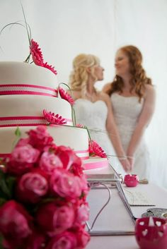 I love this picture, Works well with the one color scheme. Lesbian Wedding Photography, Lesbian Wedding Photos, Lgbt Wedding, Wedding Photography Inspiration, Wedding Poses, Our Wedding, Dream Wedding, Wedding Pictures, Wedding Stuff