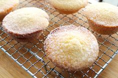 Donut muffins with raspberry jam filling