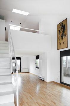 Ideas de Decoracion: Comedor,Salon,Loft, estilo Vanguardista diseñado por Estudi de Arquitectura & Eficiencia Energètica GPA S.L - Arquitecto Técnico #Decoracion #Vanguardista #Comedor #Salon #Loft #Doble altura #Barandillas #Loft #Suelos #cajondeideas
