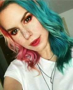 Youtubers, People Change, Portugal, Halloween Face Makeup, Wallpapers, Hairstyles, Sea, Famous People, Awesome Hair