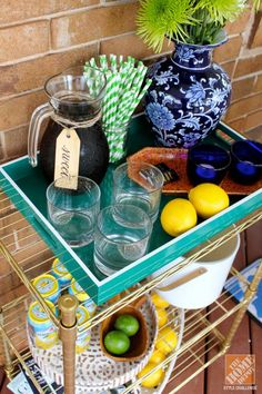 It doesn't get more southern than this! Invite friends and family over for sweet tea on the front porch. Make it easy with a DIY bar cart like this one from Amy Mikkelsen. || @Your Southern Peach