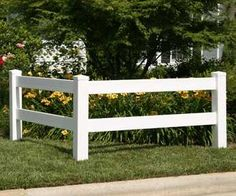 Both fence styles can be used for borders, backdrops and yard accents. Description from fencer1.net. I searched for this on bing.com/images