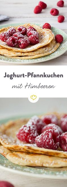 Yogurt pancakes with raspberries- Joghurt-Pfannkuchen mit Himbeeren A quick-made breakfast, a sweet snack in between, a heavenly dessert – these yoghurt pancakes always go! Desserts Végétaliens, Desserts Sains, Healthy Dessert Recipes, Healthy Snacks, No Calorie Foods, Low Calorie Recipes, Keto Recipes, Breakfast Desayunos, Breakfast Recipes