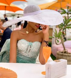 Best Fashion Looks From the Veuve Cliquot Masters Polo 2019 held in Cape Town, South Africa hosted by celebrity Nomzamo Mbatha High Fashion Outfits, Gucci Outfits, Classy Outfits, South African Celebrities, Veuve Cliquot, Prom Dress Couture, Glam Photoshoot, Fashion Beauty, Vestidos