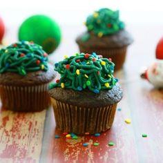 Tangled Christmas Lights Cupcakes
