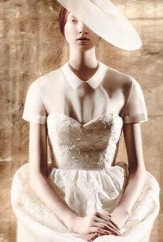 marca española de moda  DELPOZO crea una colección cápsula de #vestidos de #novia