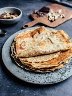 Chocolate-hazelnut crepes (gluten free, vegan, no refined sugar)