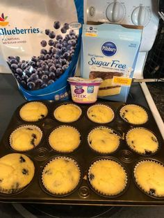 2 Point Weight Watchers Blueberry Muffins With Classic Yellow Cake Mix, Fresh Blueberries, Greek Yogurt, Water Weight Watcher Desserts, Weight Watchers Snacks, Muffins Weight Watchers, Petit Déjeuner Weight Watcher, Points Weight Watchers, Weight Watchers Breakfast, Weight Watchers Blueberry Muffins Recipe, Weight Watchers Cupcakes, Weight Watchers Recipes With Smartpoints