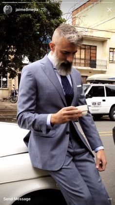Hipster Haircut For Men Old Man Fashion, Gents Fashion, Hipster Haircuts For Men, Beard Images, Beard Cuts, Beard Haircut, Grey Beards, Men With Grey Hair, Beard Love