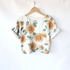 white top shirt crop tops tumbr cuff sleeve sunflower pattern grey green yellow orange cute t-shirt floral bag trendy floral daisy crop tops vintage blouse sunflower sunflower sunflower sunflower crop tops sunflower crop tops white tank top floral flower print crop tops print shorts floral bikini floral blouse amber rose floral summer outfits floral grunge sunflowers top white crop top bikini flower