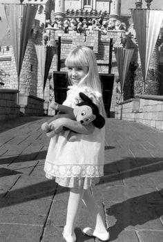 Heather O'Rourke - Disneyverse #poltergeist #mickey