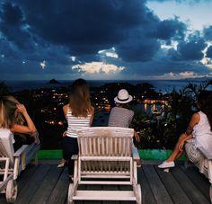 Night Night  com a vista da nossa casa pelos próximos dias  Lugar mágico e especial!  Amando muito estar aqui @wimcovillas  #paradise #girlstrip #vacations  #STBARTH #FhitsStBarth @conexaodestinos @fhits