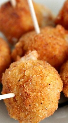 This spicy fried cheese balls recipe is so easy & perfect for any party! Fried Cheese Balls Recipe, Cheese Dip Recipes, Cheese Appetizers, Yummy Appetizers, Appetizer Recipes, Snack Recipes, Party Recipes, Party Snacks, Vegetarian Recipes