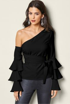 Order a sexy Black Ruffle Off The Shoulder Top from VENUS. Shop short sleeve tops, tanks, tees, blouses and more at an affordable price today! Look Fashion, Autumn Fashion, Venus Clothing, Stylish Outfits, Cute Outfits, Latest Fashion For Women, Womens Fashion, Looks Chic, One Shoulder Tops