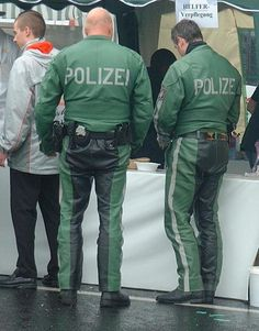German motorcycle cops in leather uniform - Polizei Motorcycle Leather, Motorcycle Jacket, Bomber Jacket, Green Leather, Leather Men, German Lederhosen, Police Outfit, Cop Costume, German Police