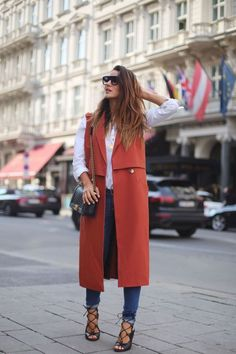 Affordable Fashion Trends Outfit Ideas For Spring 201911 Long Vest Outfit, Vest Outfits, Casual Outfits, Look Fashion, Winter Fashion, Fashion Outfits, Womens Fashion, Fashion Trends, Shorts Jeans Branco