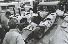 1966 Mosport, Can-Am, Chaparral Cars with the Chaparral 2E nr66 (Hall) dnf. ©D.Friedman