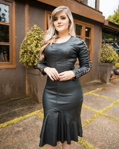 Plus size outfits Leather Peplum Tops, Leather Dresses, Curvy Girl Fashion, Plus Size Fashion, Womens Fashion, African Fashion Dresses, Sexy Dresses, Plus Size Outfits, Dress Skirt