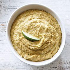 Hummus à l'avocat et à la coriandre Cheese Ball, Finger Foods, Dips, Good Food, Ethnic Recipes, Spreads, Sauces, Cocktails, Style