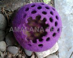 cuenco violeta de fieltro...