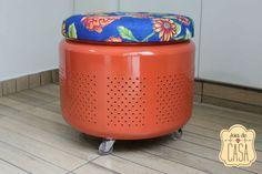 Joias da Casa: Puff com tambor de lavadora   www.joiadecasa.com.br Bucket Bbq, Washing Machine Drum, Art N Craft, Metal Working, Decoration, Sweet Home, Projects To Try, Diy, Crafts