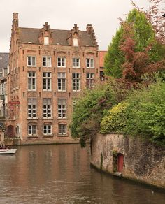 French Larkspur:  You must see this beautiful two-part post on Brugge, Belgium!!