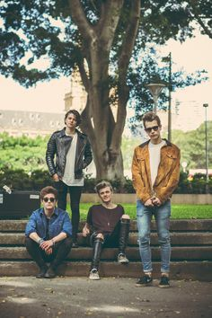 SEEING THESE TOMORROW NIGHT (monday 28th march) IN DUBLIN AAAAHHH CANT WAIT