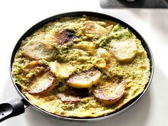 Tortilla courgettes et pommes de terre Omelettes, Tortillas, Curry, Cooking, Ethnic Recipes, Food, Zucchini, Apples, Dinner