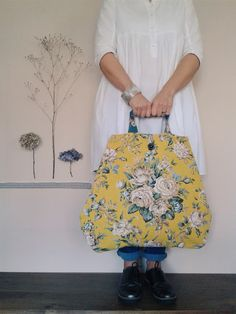 November has been a busy floral curating, gathering and making month. The new 'Winter' collection of The Linen Garden's Meandering . Handmade Handbags, Handmade Bags, Handmade Products, My Bags, Purses And Bags, Sacs Tote Bags, Gucci Clutch, Carpet Bag, Boho Bags