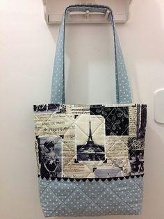 Bolsa azul de telas de patchwork