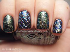 No Nekkid Nails: Dupes? A comparison of China Glaze Snow Globe & China Glaze Make a Spectacle over Zoya Raven