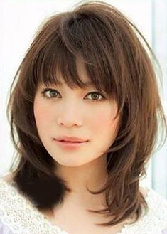 Cute Medium Length Haircuts for Women Pictures Medium Haircuts With Bangs, Medium Hair Cuts, Medium Hair Styles, Medium Layered Hair, Layered Lob, Oval Face Hairstyles, Round Face Haircuts, Layered Hairstyles, Hairstyles With Bangs