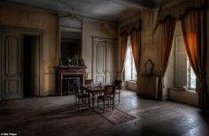 Resultado de imagem para abandoned room