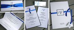 Trycksaker till bröllop, tema blått. Inbjudningskort, placeringskort, vigselprogram och menykort. Pärlemopapper och blått sidenband.