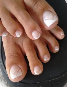 Unhas do Pé Decoradas Cute Toe Nails, Cute Toes, Toe Nail Art, Easy Nail Art, Shellac Pedicure, Pedicure Colors, Glitter Manicure, French Pedicure, French Manicure Designs