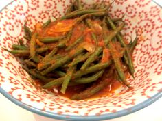 Have no time to cook? Here for you an easy and quick way to have long #greenbeans, with #tomatoes.