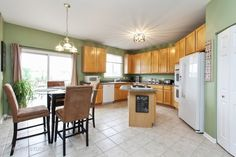 See this home on @Redfin! 76 N Berkshire Ln, ROUND LAKE, IL 60073 (MLS #09666482) #FoundOnRedfin