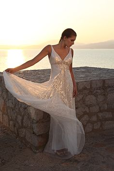 The FashionBrides is the largest online directory dedicated to bridal designers and wedding gowns. Find the gown you always dreamed for a fairy tale wedding. Sell Your Wedding Dress, Fairytale Gown, Wedding Abroad, Nice Dresses, Formal Dresses, Plaid Fashion, Bridal Collection, Body Types, Well Dressed