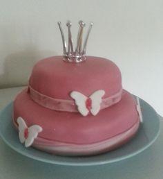 Silmukoita ja suklaakakkua: Onnea prinsessa Butter Dish, Cakes, Dishes, Desserts, Food, Tailgate Desserts, Deserts, Cake Makers, Kuchen