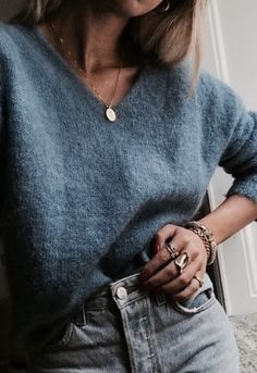 v neck sweater + gold coin necklace + high waisted jeans | womens everyday comfy casual outfits for fall