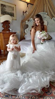 beautiful pre-wedding photo of my bride & her flower girl <3 Romantic wedding in Cortona, Tuscany - June 2016
