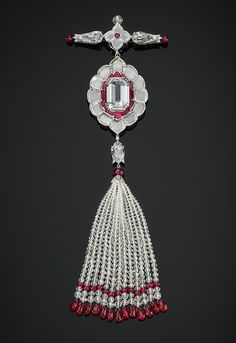 Pendant #brooch set with diamonds and rubies by Bhagat Mumbai l The Al Thani Collection l Victoria and Albert Museum
