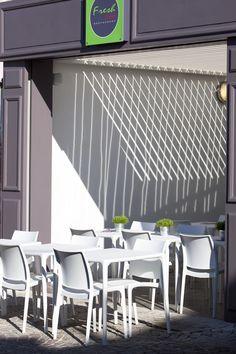Le Petit Mexicain Salon De Provence Provence, Salons, Restaurant, Beautiful, Outdoor Decor, Home Decor, Exterior Decoration, Living Rooms, Restaurants
