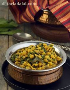 A maharashtrian delight, tweaked to boost the health value! while palak adds vitamin a to this dish, chana dal adds nutrients like calcium, iron, folic acid, zinc and fibre. Ensure that you do not overcook chana dal, as it should be separate and not mashed.