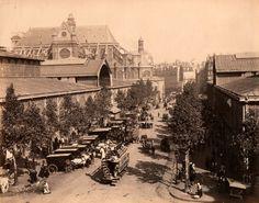 Les Halles de Paris, un jour ensoleillé en 1890. https://www.facebook.com/johndorbigny