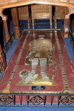 The lid of Constantine's sarcophagus now forms part of the grave of Robert the Bruce in Dunfermline Abbey. Description from diggingsonline.com. I searched for this on bing.com/images