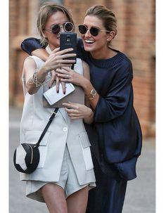Pre-show selfies with Nadia Fairfax & Kate Waterhouse | #MannningCartell #MBFWA #Introducedlight