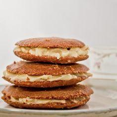 Honey and Cinnamon Spelt Biscuits (cookies!)