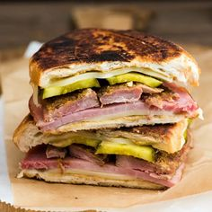 Cubano Sandwich Recipe Lunch with ham, softened butter, baguette, dijon mustard… Grill Sandwich, Cubano Sandwich, Slider Sandwiches, Sandwich Recipes, Sliders, Cuban Recipes, Great Recipes, Dinner Recipes, Game Recipes