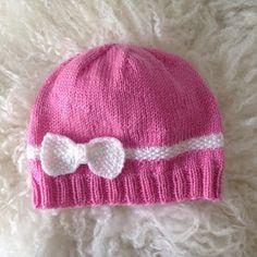 Janitan kätösistä: Taaperon neulottu rusettipipo - ohje Knit Crochet, Crochet Hats, Beanie Hats, Beanies, Knitting Patterns, Knitting Ideas, Ravelry, Knitted Hats, Shawl